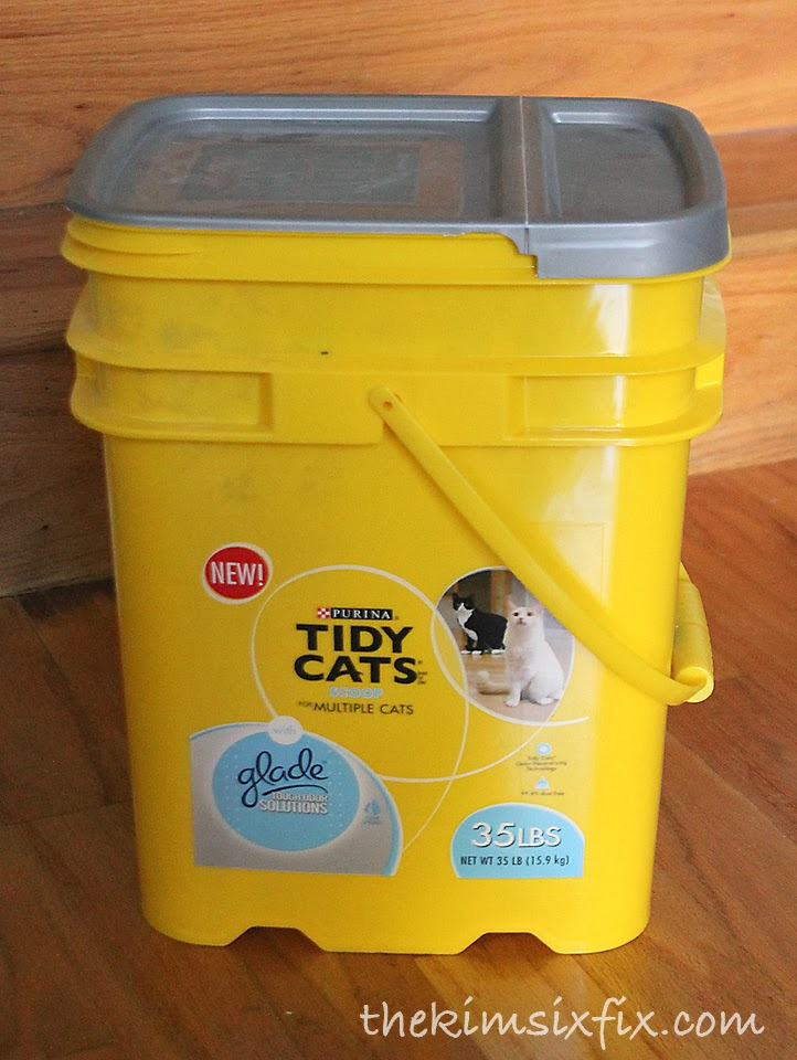 Cat Litter Bucket Into Nautical Storage Tote (Tutorial)