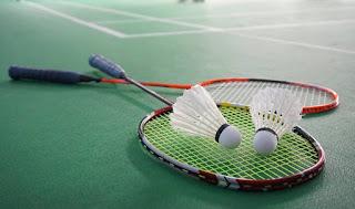 harga raket badminton
