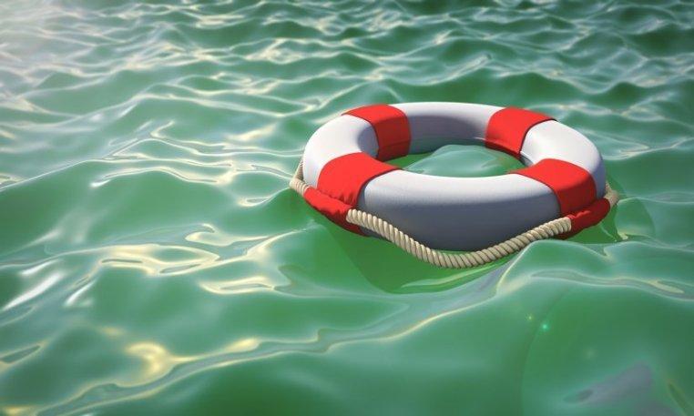 Εθελοντές έσωσαν γυναίκα από βέβαιο πνιγμό σε παραλία στη Χαλκιδική