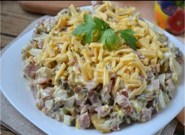 Салат с ветчиной и грибами рецепт-фото