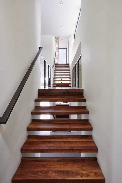 World of Architecture: 30 Wooden Types of Stairs for