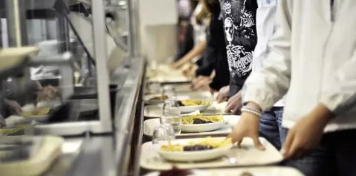Υπουργοί ΑΝΤΙΔΡΟΥΝ στην υποχρεωτική απόσυρση του κρέατος από σχολικά γεύματα