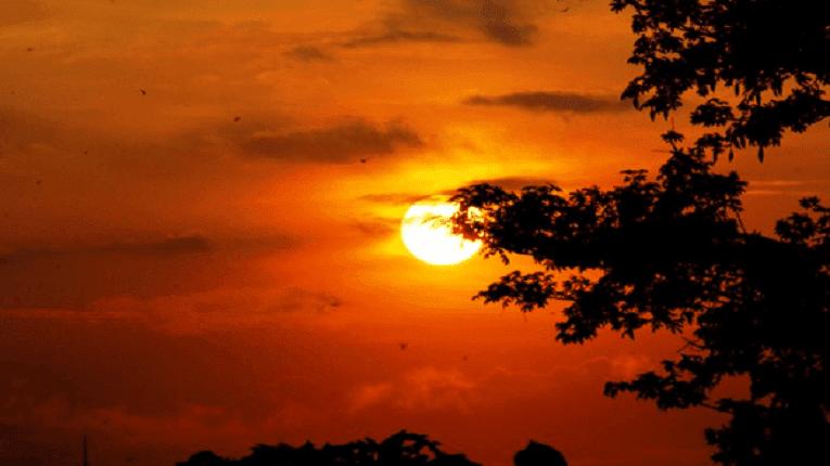 Puisi kehidupan dunia | Bumi merintih langit menangis