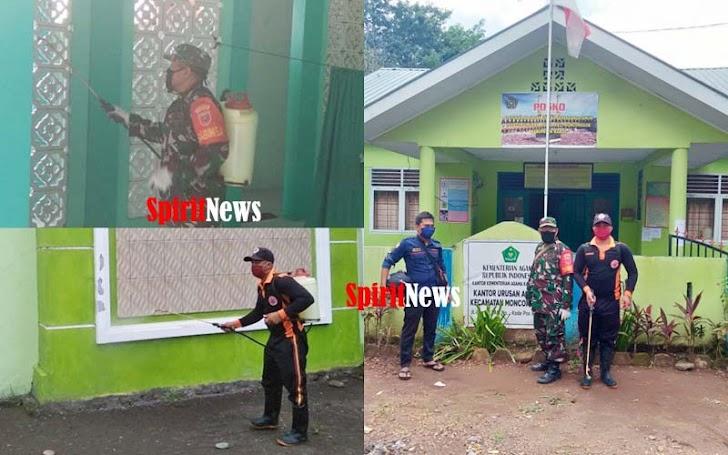Banbinsa Bersama Sekdes Desa Moncongloe Bulu, Lakukan Penyemprotan Desinfektam Yang Kedua