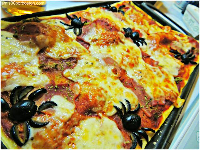 Comida Terrorífica para Fiestas de Halloween de Miedo: Pizzas de Fantasmas y Arañas