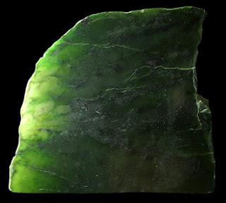 da-quy-ngoc-bich-cong-dung-va-y-nghia-jade-nephrite