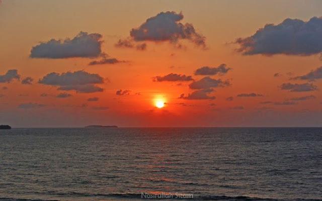 Sunrise di Bukit Pantai Annora Karimunjawa