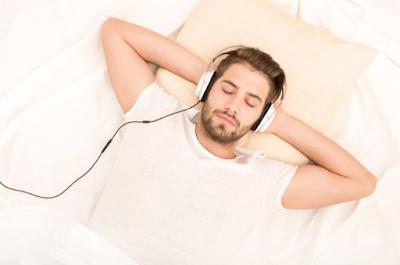 Musik yang Tepat untuk Pengiring Tidur