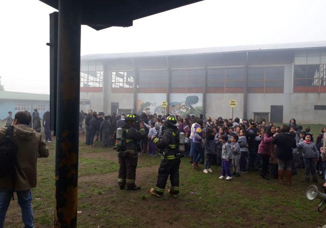 Simulacro de incendio en Escuela de Artes y Cultura de Osorno
