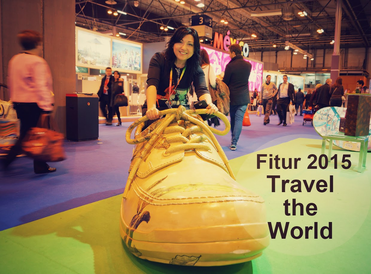 Fitur2015-Travel-the-World