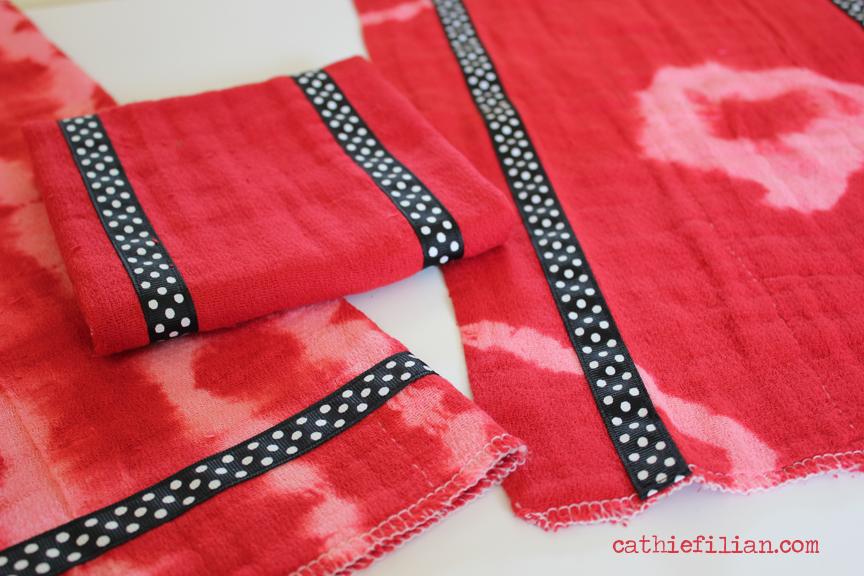 Cathie Filian Diy Tie Dyed Amp Ribbon Embellished Burp Cloths