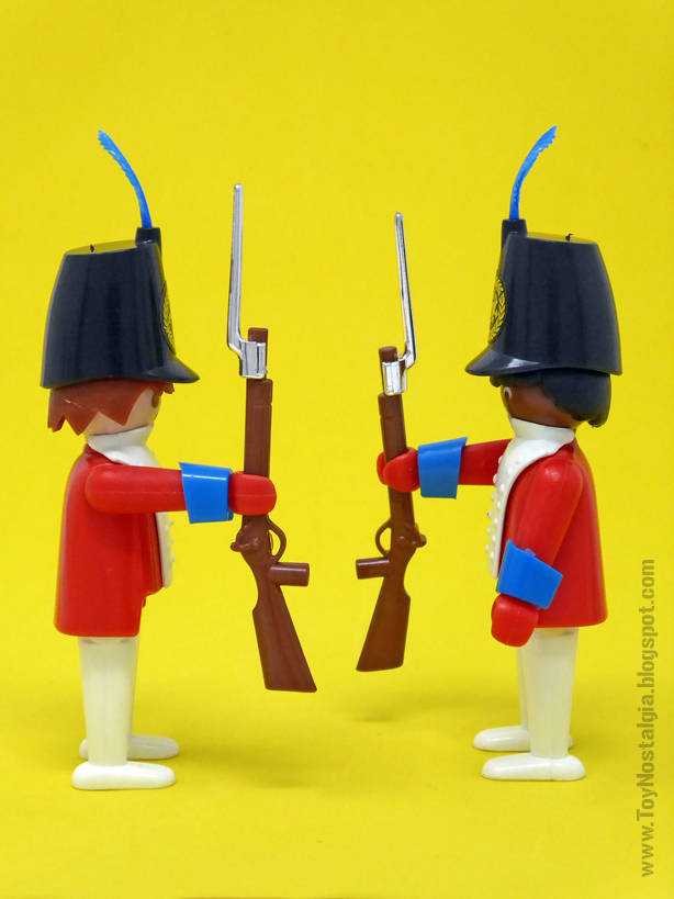 Playmobil 3544, chaquetas rojas presentando bayonetas  (Playmobil 3544 - redcoats)
