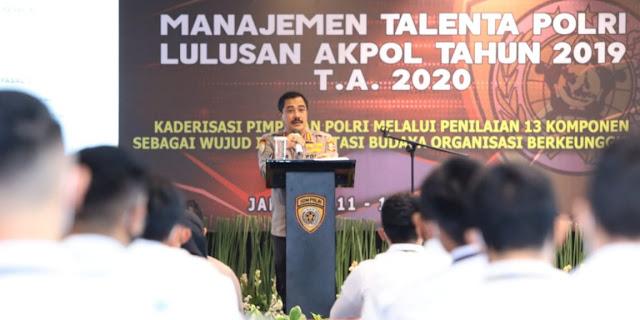 Kabaharkam Polri Beri Pembekalan Manajemen Talenta ke Lulusan Akpol 2019