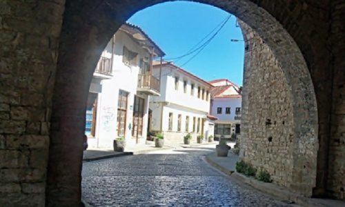 Στη λήψη όλων των απαραίτητων μέτρων προχώρησε ο Δήμος μετά από την κατάρρευση τμήματος στέγης ιδιωτικού κτιρίου το οποίο είναι εγκαταλελειμμένο.