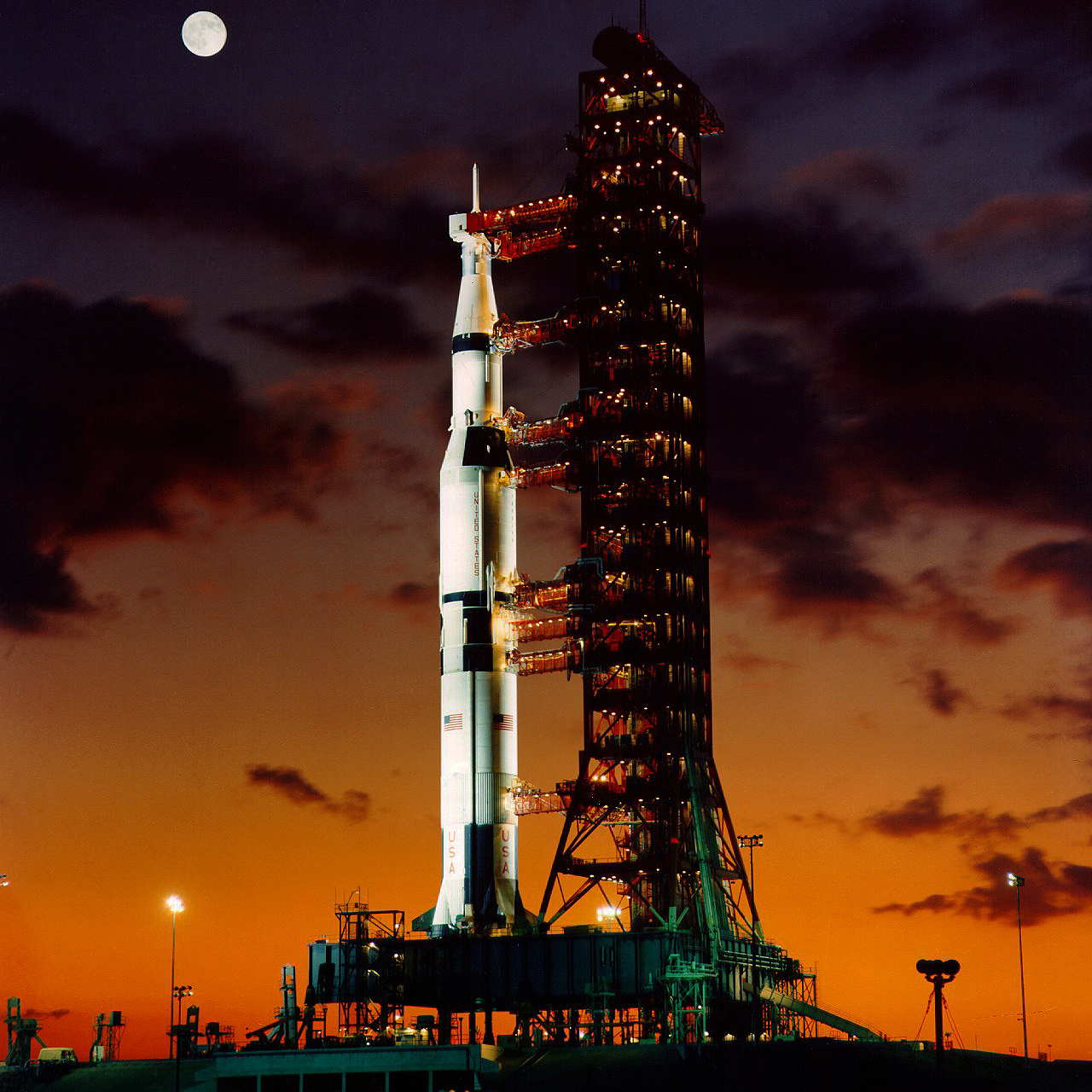 Jean-Baptiste Faure: The first Saturn V rocket on launch ...