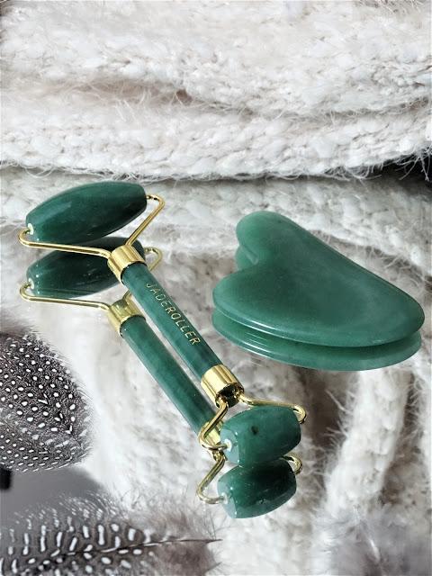 Rouleau de Jade Jade Roller avis, Jade Roller rouleau de jade, avis rouleau de jade, gua sha jade roller avis, rouleau de jade 100% naturel, rouleau de jade effets, anti-age naturel, soin naturel cicatrice d'acné