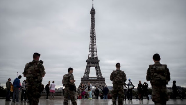 Gilets jaunes : une atmosphère de guerre règne sur Paris et la france a la veille d'une manifestation