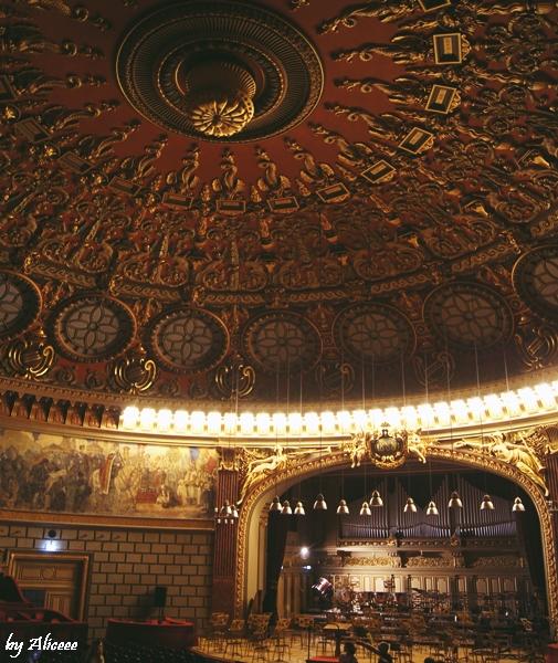 Ateneul-Roman-Bucuresti-sala-concert