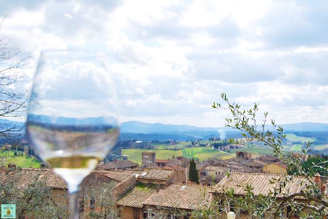 Vino Vernaccia en San Gimignano