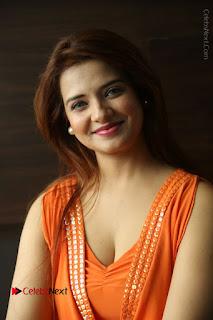 Actress Saloni Aswani Pos in Short Dress at Meelo Evaru Koteeswarudu Movie Interview  0074.JPG