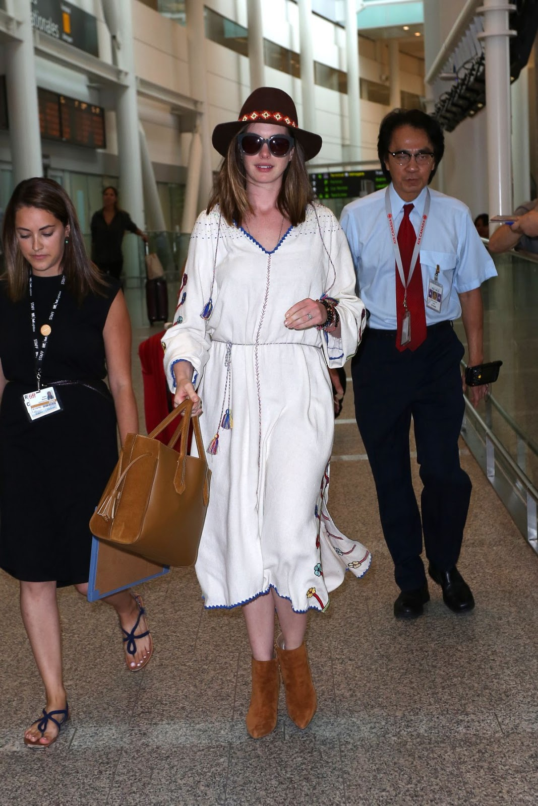 Anne Hathaway At Toronto Pearson International Airport