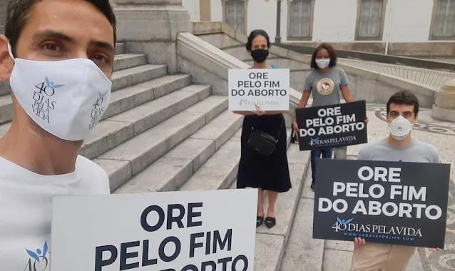 """""""40 Dias pela Vida"""": Cristãos fazem oração e jejum pelo fim do aborto no Brasil"""