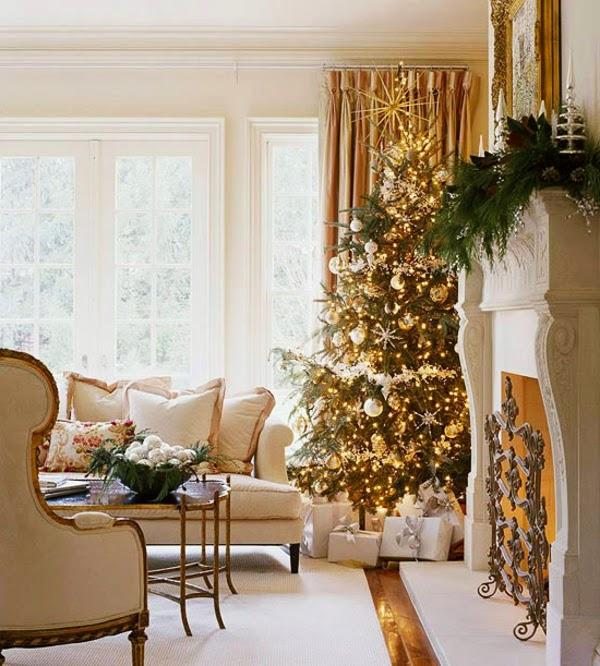 sala chimenea navideña