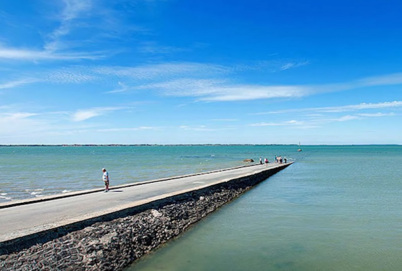 Passage du Gois - A Dangerous Road That Disappears Underwater Twice A Day