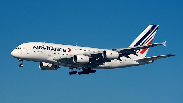 Gambar Pesawat Airbus A380 03