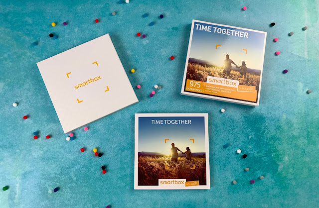 A booklet and box with writing to illustrate it's the Time Together Smartbox from Buy A Gift