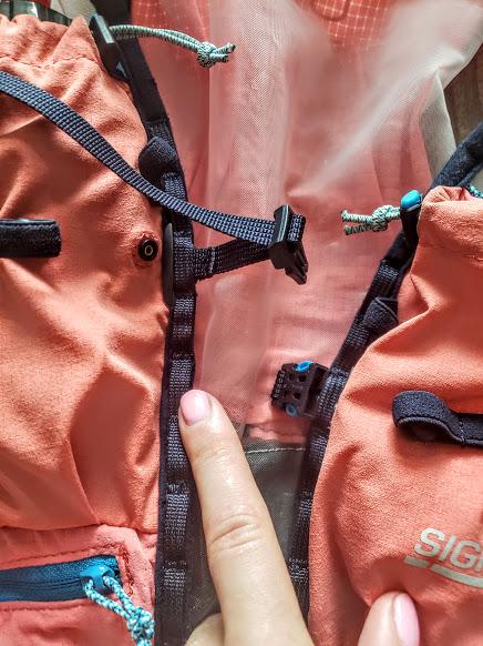 gear-review-ultimate-direction-race-vesta-4-straps