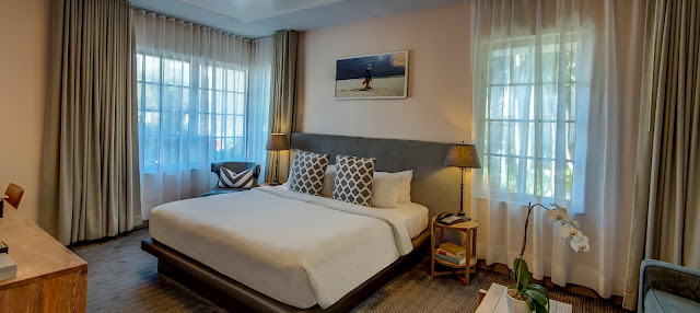 When looking for chic hotels, SBH South Beach Hotel is an archetype of Miami Beach living, with Art Deco design, stylish guest rooms and a great location.