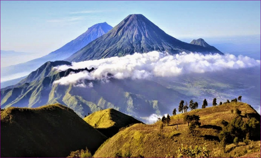 Menjelajah Panorama 20 Gunung Terindah di Indonesia