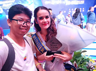 Foto bersama Claudia Runner Up Pertama Miss Auto Show 2019