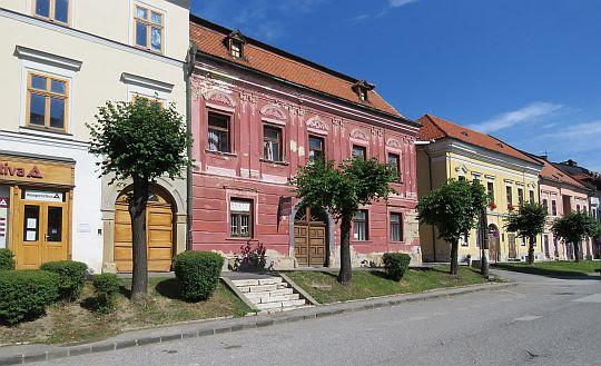 Dom Okoliscaniego.