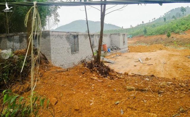 San đồi, đào ao xây khu sinh thái 'chui' trên đất rừng mặc kệ pháp luật