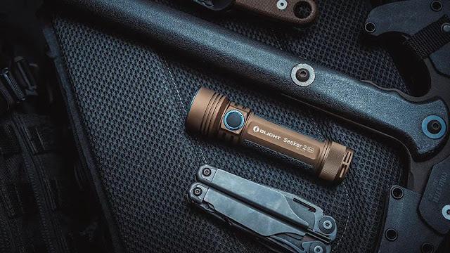 Self-defense tactical flashlight