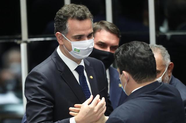 Rodrigo Pacheco é eleito presidente do Senado, com 57 votos
