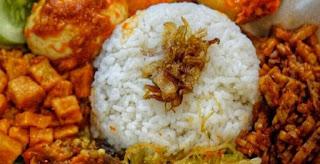 Resep Masakan Nasi Uduk Sederhana dan Enak Untuk 2 Porsi