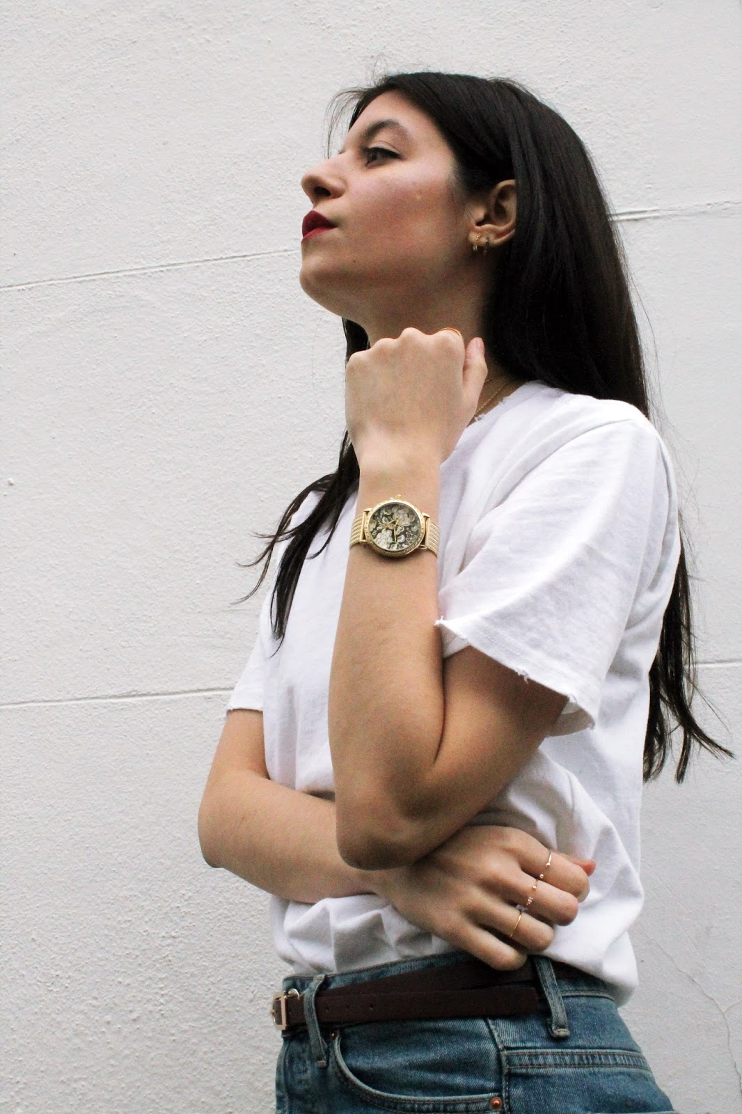 denim, white t shirt, winter outfit, red lips, fashion blogger, london blogger, microinfluencer, guess watch, giveaway