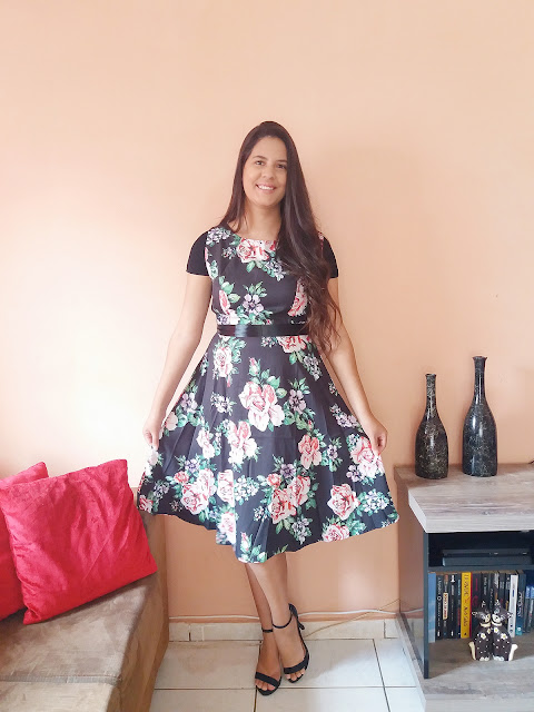 https://www.rosegal.com/vintage-dresses/retro-floral-swing-dress-2391739.html?lkid=16566142