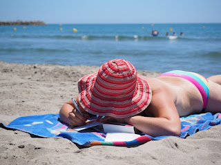सूर्य स्नान के फायदे जाने, सूर्य स्नान की विधि व लाभ पढ़ें ( benefits of sun bathe and their methods )