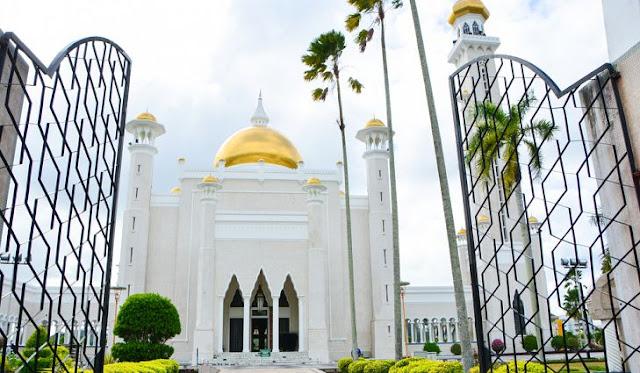 تعرف بروناي بمساجدها الفخمة