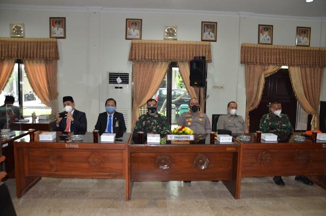 HUT DPRD ke 70, Buapti Berharap DPRD Terus Memberikan Kontribusi Yang Produktif Untuk Kemajuan Kabupaten Karanganyar