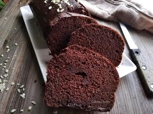 Bizcocho de chocolate negro, fácil y muy esponjoso
