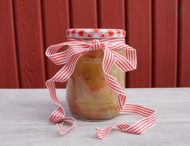 Rezept: Dänisches Apfelkompott zubereiten. Das Rezept aus Dänemark eignet sich gut für die Verwertung von Fallobst!
