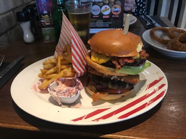 TGI Fridays, Burgers, Dinner, Date