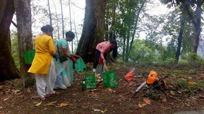 Cleanliness drive by nari kalyan sangh mungpoo