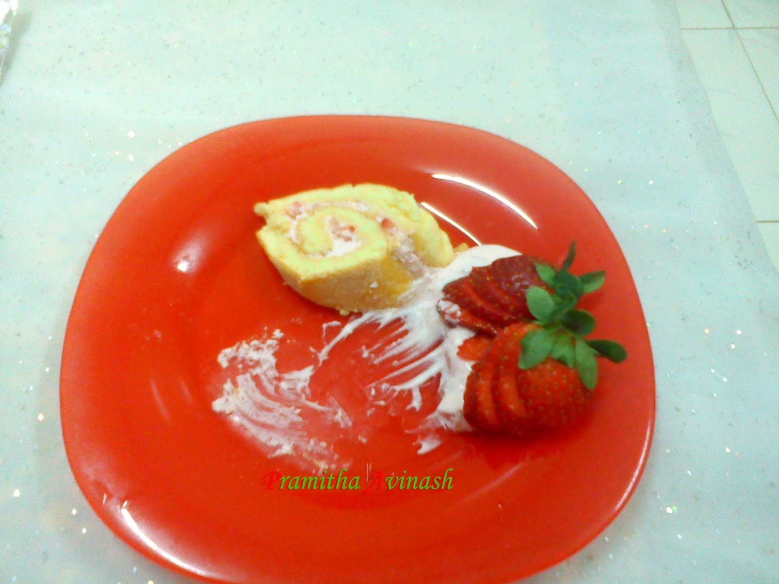 Pramitha Love Cooking!!!!!: Sponge Cake Roll/Swiss Roll