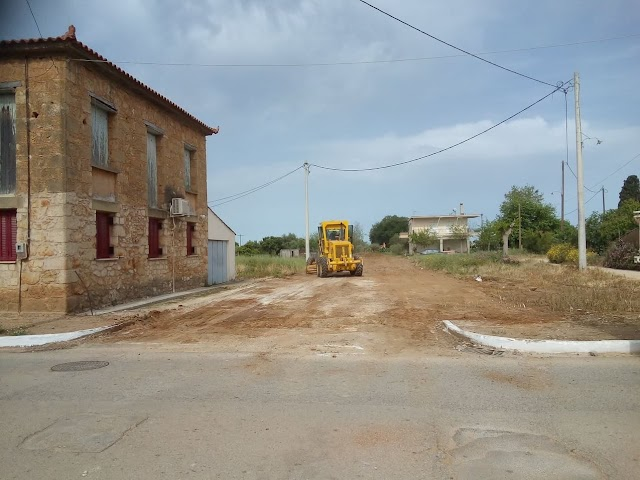 Διάνοιξη δημοτικής οδού, που οδηγεί στο νέο γήπεδο, της πόλης των Φιλιατρών.  (ΦΩΤΟ)